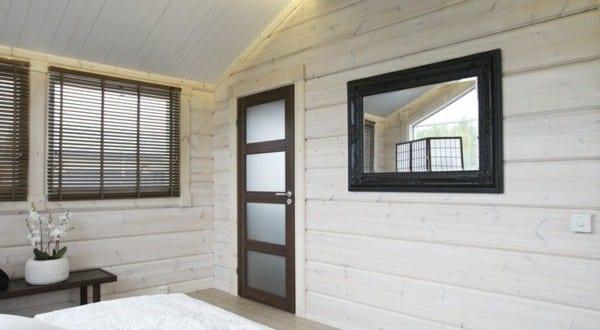 schlafzimmer dachschr ge mit deckenbeleuchtung hinter deckenbalken versteckt freshouse. Black Bedroom Furniture Sets. Home Design Ideas