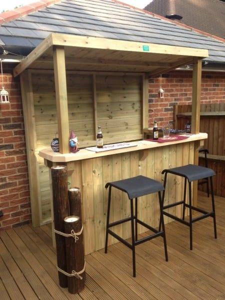 Diy bar aus holz f r terrassengestaltung freshouse for Bar aus europaletten bauen anleitung