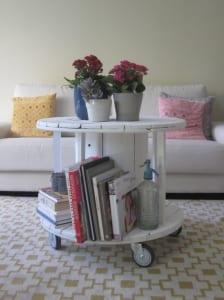 DIY Beisteltisch rund aus kabelrolle