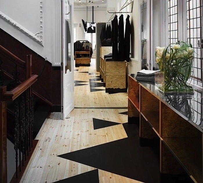 eicheboden cool gestalten mit schwarzen dreiecken via superfuture freshouse. Black Bedroom Furniture Sets. Home Design Ideas