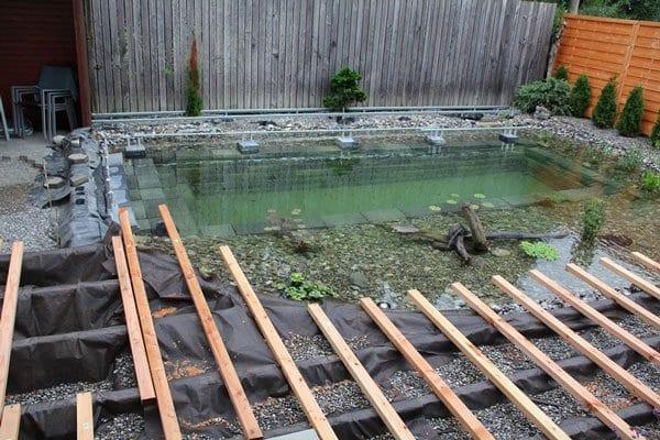 Schwimmbecken Und Teiche Mit Holzterrasse Selber Bauen