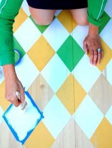 Streichen Ideen für Holzvoden in grün und gelb