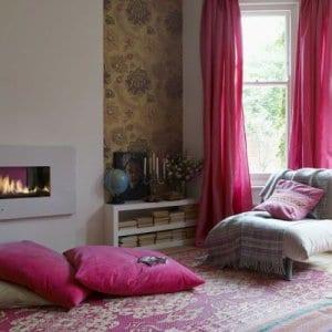 bodenkissen pink für wohnzimmer farbgestaltung in pink