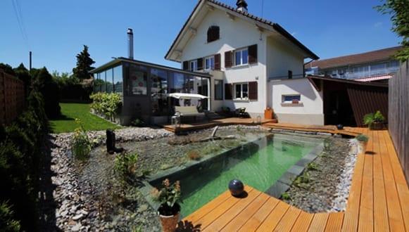 DIY Schwimmteich im Hofgarten - fresHouse