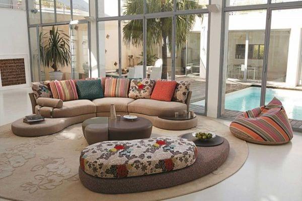 coole Einrichtung mit Bodenkissen und Seats and Sofas von Roche ...
