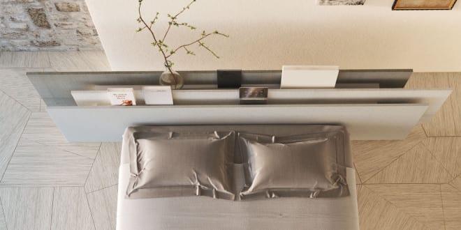 coole einrichtungsideen schlafzimmer mit modernem bett und bücherregal als rückenlehne