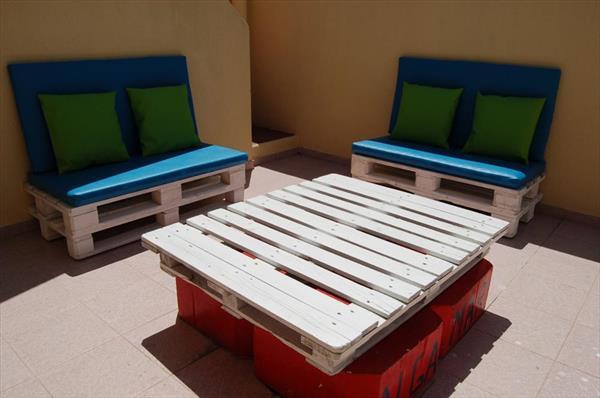 coole idee f r terrasseneinrichtung mit terrassenm bel aus. Black Bedroom Furniture Sets. Home Design Ideas