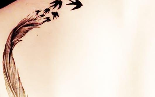 coole-vogel-tattoo-idee-für-frauen