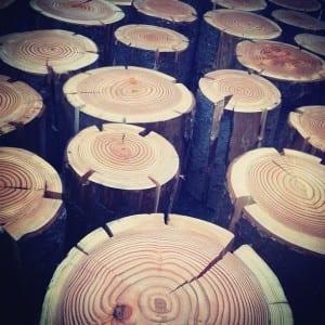 kreative dekoration mit Lampen aus Holz