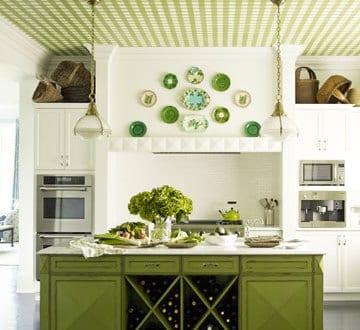 Kreative Küchenidee Für Landhausküche Design In Weiß Und Grün Mit Kochinsel  Grün