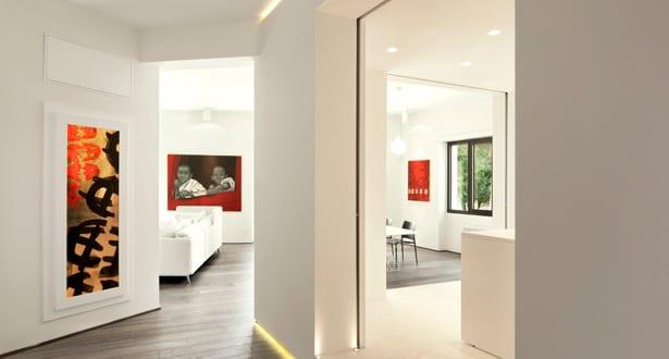 minimalistisch wohnen einrichtungsidee fr luxus wohnung in wei und indirekte flurbeleuchtung - Modern Minimalistisch Wohnen
