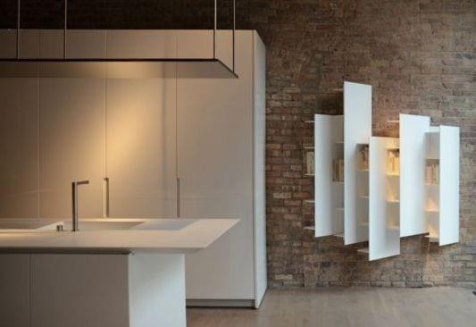minimalistische Küche in weiß mit moderne Wandregalen CT ...