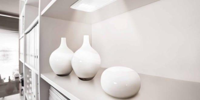 moderne LED-Schrankunterbauleuchten in weiß von Osram für eingebaute Beleuchtung