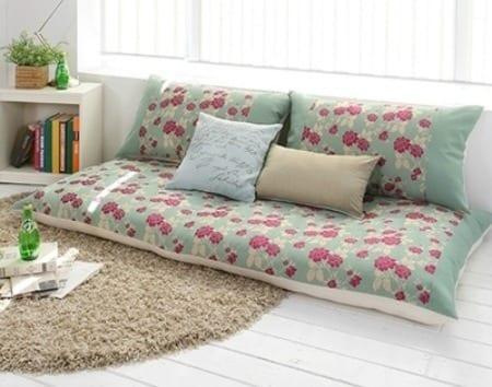 moderne raumgestaltung mit bodenkissen sofa freshouse. Black Bedroom Furniture Sets. Home Design Ideas