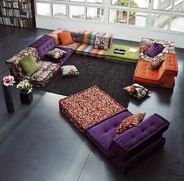 modernes wohnzimmer interior mit bodenkissen von Roche Bobois ...