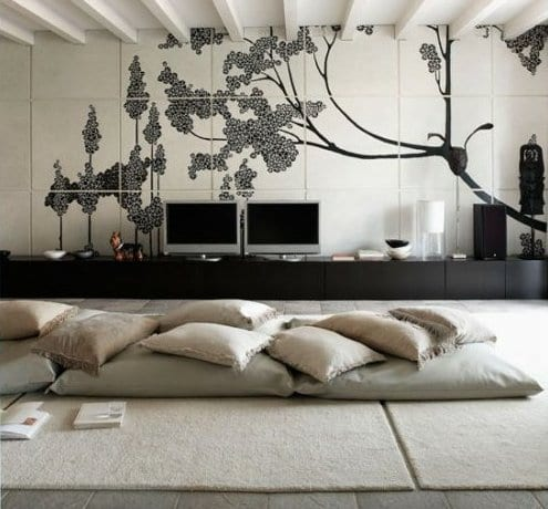 Orientalische raumgestaltung mit bodenkissen und teppich for Raumgestaltung trends 2015