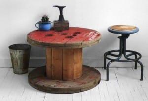 vintage interior design mit DIY couchtisch aus kabelrolle