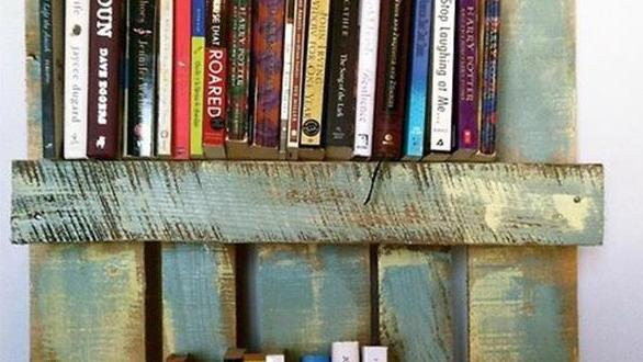 DIY Bücherregal Aus Paletten