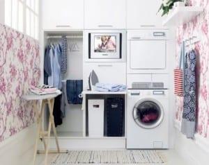 coole einrichtung und gestaltung kleiner waschküche mit eingebauten waschgeräten