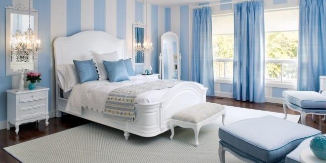hellblaue schlafzimmer streichen idee für optische raumvergrößerung ...