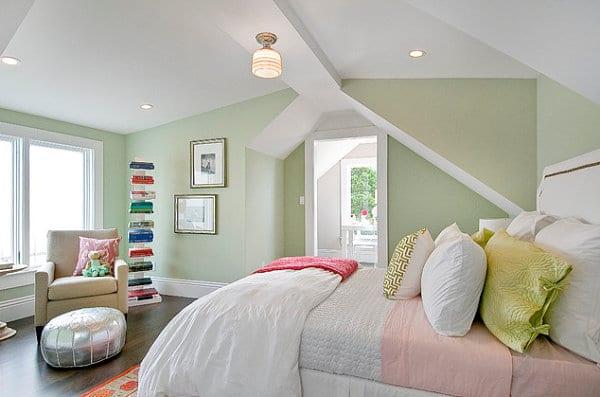 Kleine Schlafzimmer Mit Wandfarbe Hellgrün Optisch Vergrößern Und