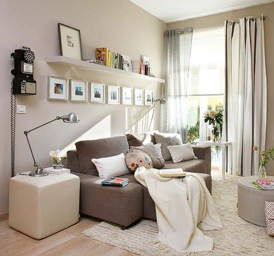 AuBergewohnlich Kleine Wohnzimmer Mit Beige Wandfarbe Streichen Für Optische  Raumvergrößerung