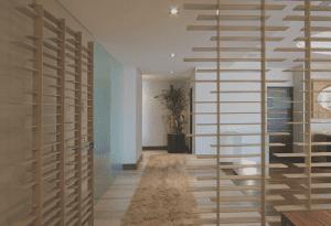 raumteiler-Inspiration aus holzlatten für moderne raumtrennung in weiß