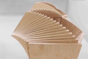 spektakuläre-sideboard-skulptur-aus-holz_modernes-schrankmöbel-aus-birke
