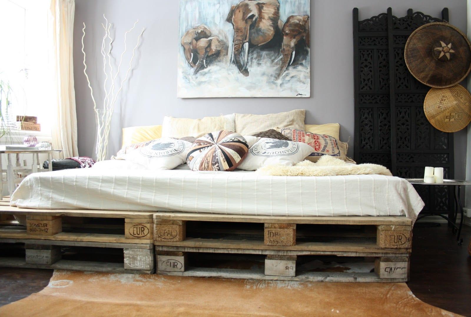 diy bett aus europaletten als coole wohnidee schlafzimmer - fresHouse