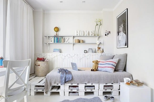 Diy bett aus wei en paletten als coole kinderzimmer wohnidee f r gestaltung und dekoration in - Palettenbett ideen ...