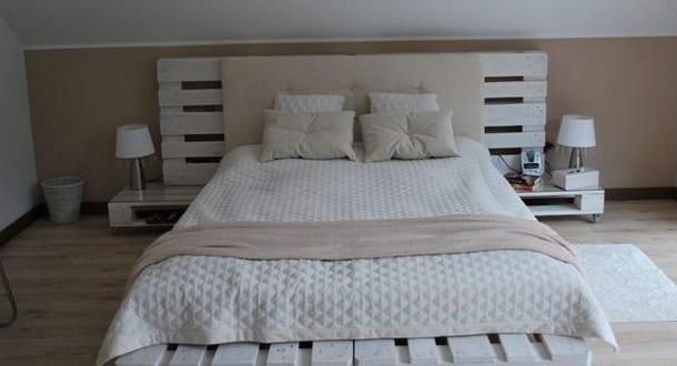 Diy Bett Mit Kopfteil Und Nachttische Weiß Aus Paletten_coole Schlafzimmer  Idee