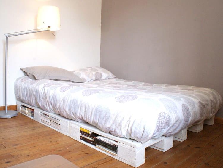Bett selber bauen einfach  diy bett_bett aus paletten schnell und einfach selber bauen - fresHouse