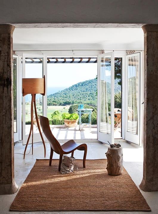 Modernes haus am hang mit modernem wohnzimmer design und for Modernes haus im hang