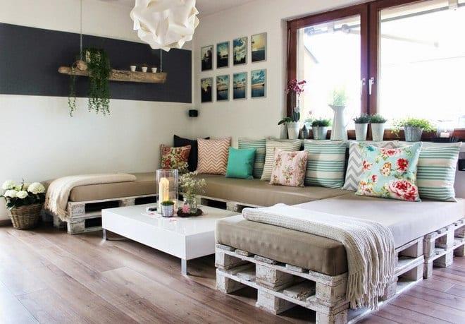 Paletten Sofa Bauen Als Idee Fuer Moderne Wohnzimmer Und DIY Moebel Aus  Europaletten