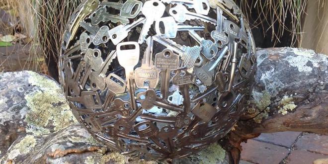 Schlüssel Als Kreative Gartendekoration Mit Diy-Kugel-Kerzenhalter