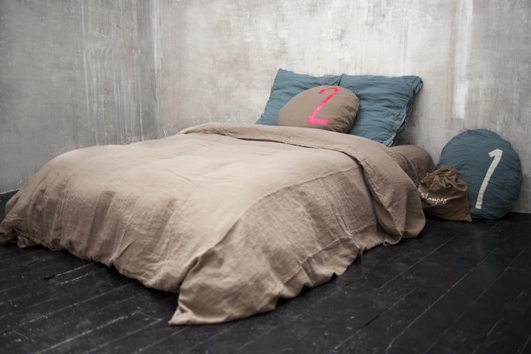 Schlafzimmer Gestalten Ideen Mit Bettwäsche Beige Und Blau