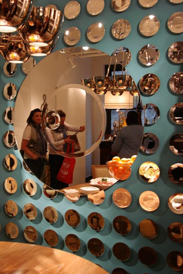 dekoideen wohnzimmer und kreative wandgestaltung mit spiegeln freshouse. Black Bedroom Furniture Sets. Home Design Ideas