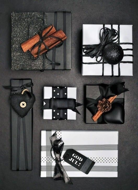 geschenkverpackung basteln in geschenk sch n verpacken in schwarz freshouse. Black Bedroom Furniture Sets. Home Design Ideas