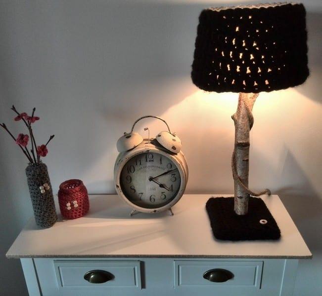 zeig tischlampe selber bauen und mit garn gestalten als designer nachttischlamp freshouse. Black Bedroom Furniture Sets. Home Design Ideas
