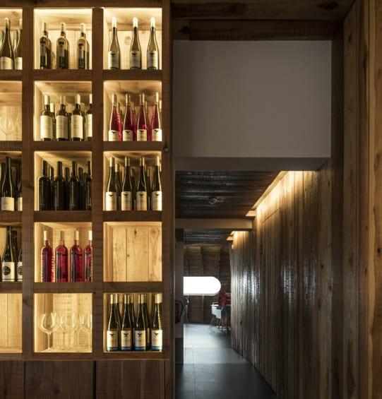 bauen mit holz als idee für modernes interieur aus holz_restaurant ...