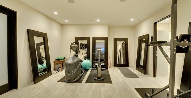 Kellerraum einrichten ideen  fitnessstudio zu hause einrichten im keller - fresHouse
