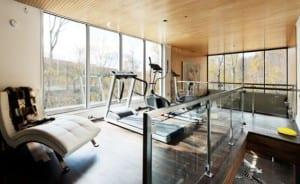 fitnessstudio zu hause einrichten und fitnessraum modern. Black Bedroom Furniture Sets. Home Design Ideas