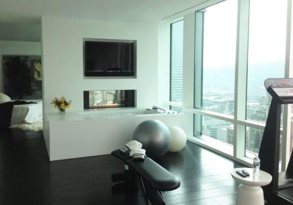 modernes fitnessstudio zu hause einrichten inspiration f r fitness zu hause von bennett farley. Black Bedroom Furniture Sets. Home Design Ideas
