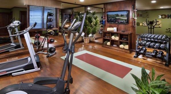 modernes fitnessstudio zu hause einrichten freshouse. Black Bedroom Furniture Sets. Home Design Ideas