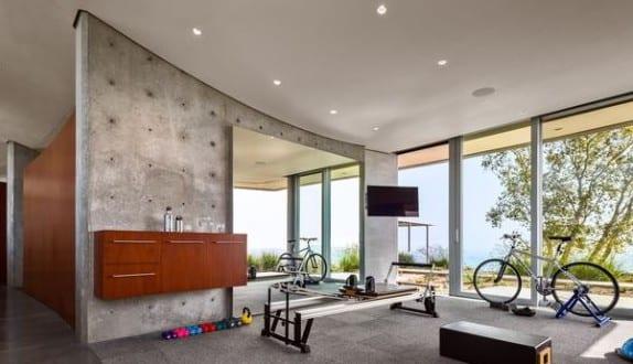 modernes haus mit fitnessraum freshouse. Black Bedroom Furniture Sets. Home Design Ideas