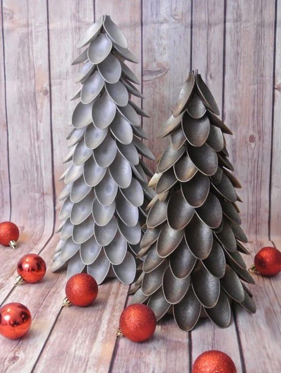 Weihnachtlich Dekorieren Mit Diy Weihnachtsbaum Aus Plastikloffeln