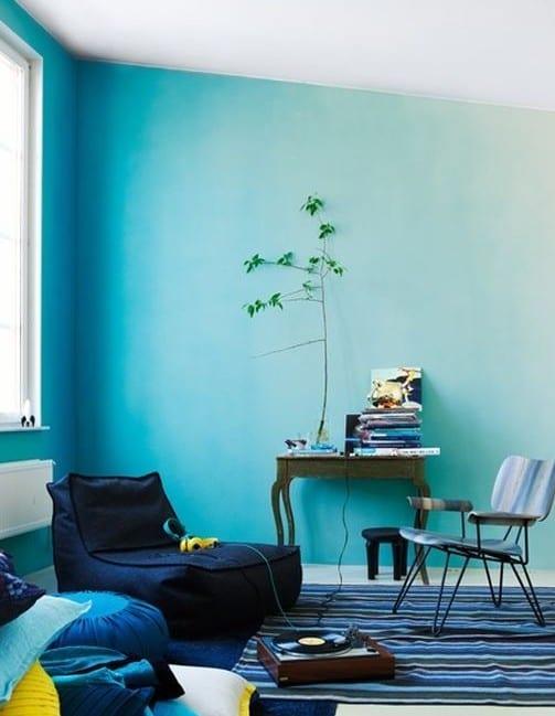 coole wand streichen ideen mit ombre streichtechnik f r moderne wandgestaltung wohnzimmer blau. Black Bedroom Furniture Sets. Home Design Ideas