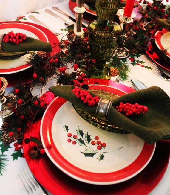 Servietten falten und tisch weihnachtlich dekorieren mit for Jugendzimmer weihnachtlich dekorieren