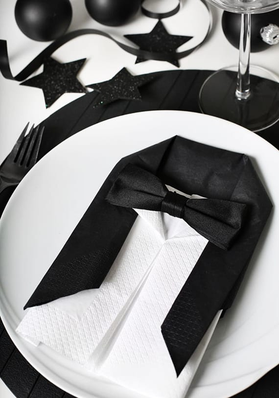 Servietten Falten Coole Idee Fur Moderne Tischdeko In Schwarzweiss