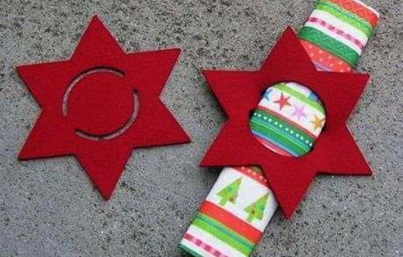servietten-falten_coole-idee-für-tischdeko-weihnachten-mit-gerollten ...